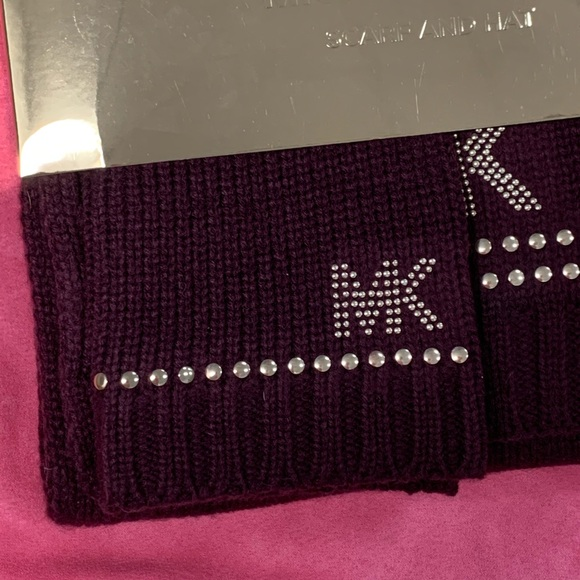 Michael Kors Accessories - MICHAEL KORS HAT AND SCARF SET